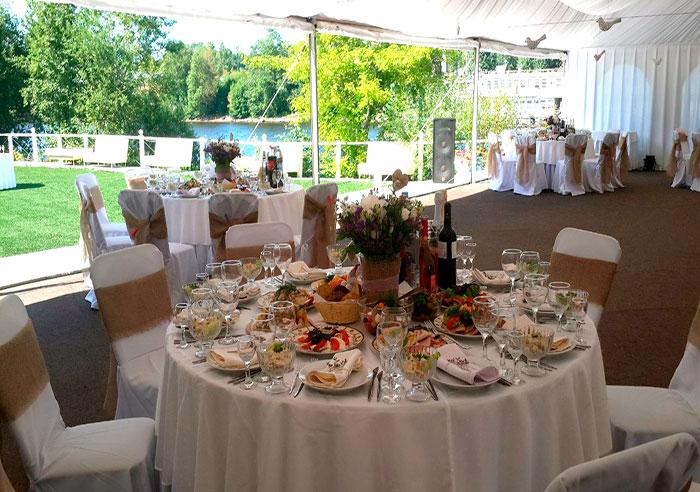 """Ресторан для свадьбы, банкетный зал у воды """"Остров"""""""