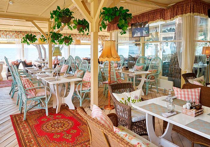 Ресторан для свадьбы, банкетный зал Наша Дача в Репино